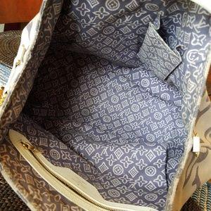 Louis Vuitton Bags - Authentic Louis Vuitton Tahitienne Purple Cruise L